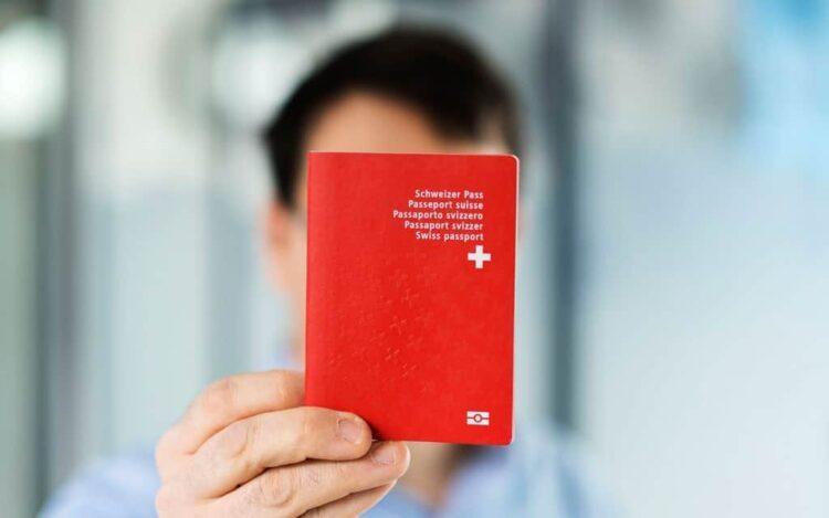 """Votum zum Postulat """"Zugangsschranken abbauen – Integration ermöglichen"""" (Ausländer bei der Stadtpolizei)"""